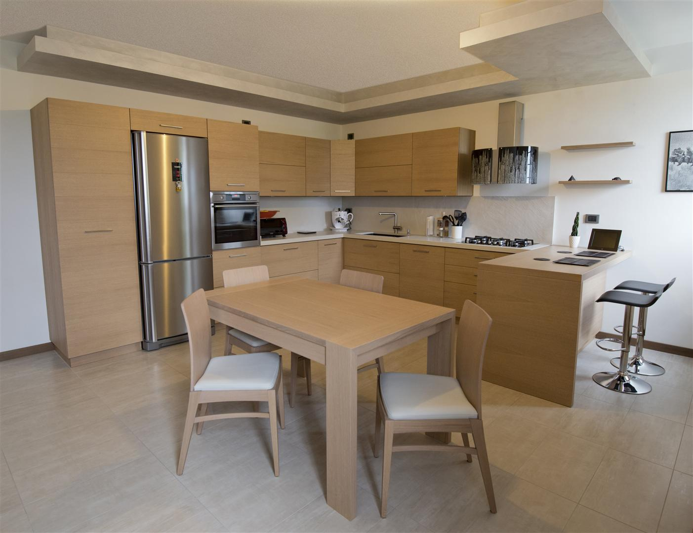 Cucina moderna in rovere spazzolato